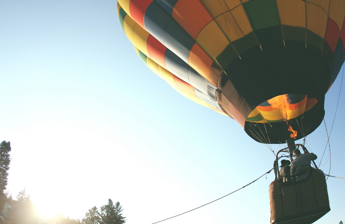 hot air balloon, depicting elevating a brand image